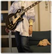 MIKIはいつもロックギターに夢中