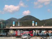 上熊本の駅前で