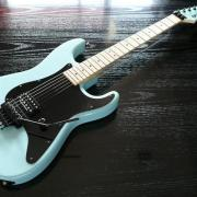 水色ギター