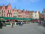 ヨーロッパの街並みに佇む輸入住宅のおうちづくり