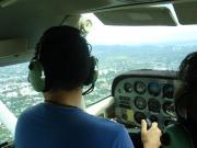青い空と飛行機と