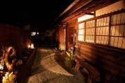 月灯りの屋根