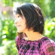 青島百合子さんのプロフィール