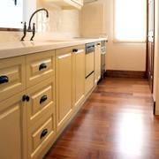 輸入スタイルのキッチン・バス・洗面台の「カドガン」