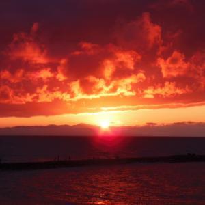 新潟市 関屋浜の夕日写真
