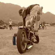 カスタムバイクを乗り回すガールズライダーブログ