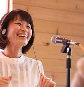 ボーカルコーチ りえざる・山本理恵さんのプロフィール