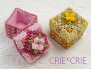 プラスチック・キャンバス刺繍のCRIE*CRIE