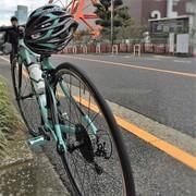 週末は海、道、空色の自転車