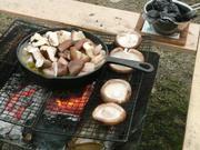 キャンプでの料理、自作キャンプグッズで楽しむ