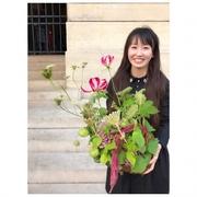 パリの花と器