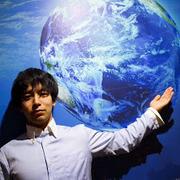 日本人最年少、多国籍企業会長、現場の英語が大切