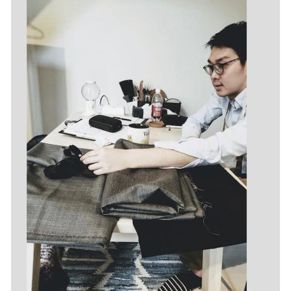 スーツプロモーター(お悩み解決人)郡司翔さんのプロフィール