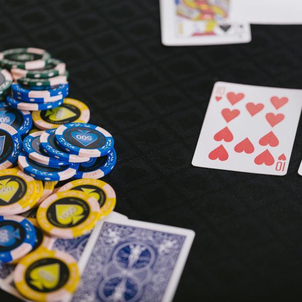銀行員がギャンブルするならおすすめはベラジョンカジノ