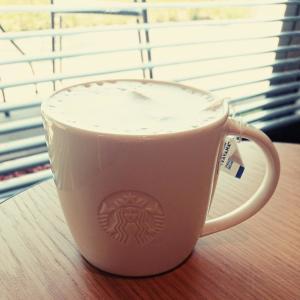 コーヒーが飲めないけどスタバ好き(● ˃̶͈̀ロ˂̶͈́)੭ꠥ🍀