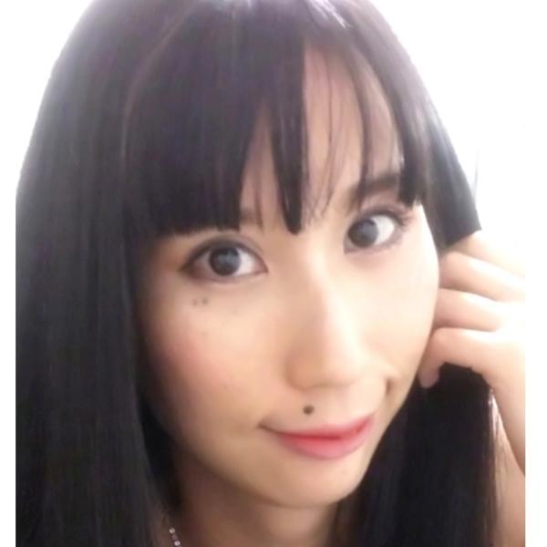 月朱理 愛子さんのプロフィール