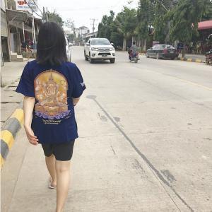 女子高生が世界一周の旅へ
