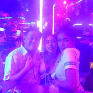 日本人で唯一バングラでSand bar経営のウメが自らご案内します。夜遊び情報毎日更新