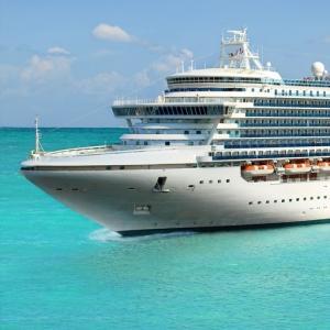 ラブクルーズ|豪華客船で行くクルーズジングは夢じゃない
