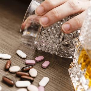 アルコールと薬と肝臓と