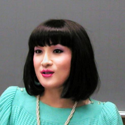 宮崎留美子さんのプロフィール