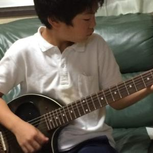 ギター弾き語り中学生 二宮駿介