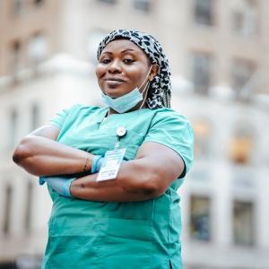 Salaryman Nurse