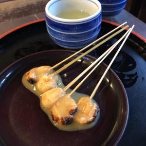 京都散歩「今宮神社」と「あぶり餅」