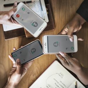 スマホやiPhoneにケースやフィルムを装着すべき3の理由。