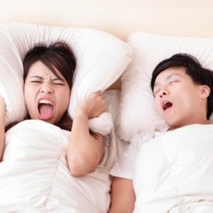 いびきが原因で寝室が飛行場になってませんか?それ危険ですよ!