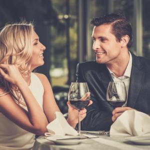 デートの最中に行うと、女性に引かれてしまいやすい男性の行動