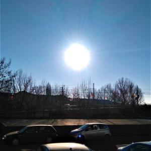 今日はすごく天気がいい!太陽が眩しすぎる。でも気持ちがいい!!!