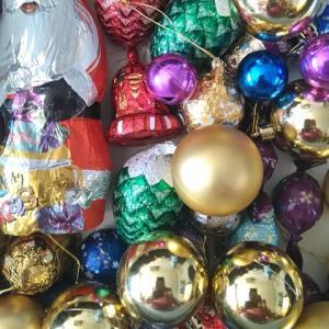 娘がクリスマスツリーの飾りを噛むので、お菓子で出来た飾りにチェンジ!!!クリスマスが終わって重大なことに気が付いた!