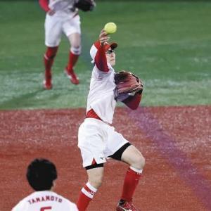 """【海外の反応】ソフトボール日本の金メダルを決定づけた""""神ゲッツー""""「アニメじゃん…」"""