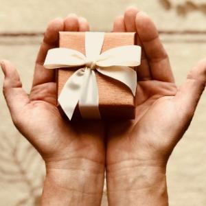 2歳の誕生日プレゼント何にする?子どもが喜ぶおもちゃから知育・お勉強系まで候補をあげてみた!