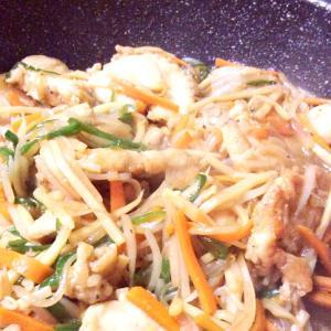 鶏のムネ肉/創作中華丼
