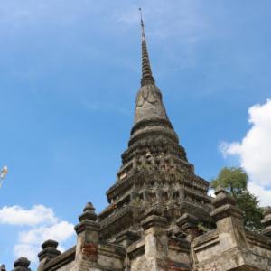 ワットチェーディーデーン(วัดเจดีย์แดง・Wat Chedi Daeng)/ 交通安全のご利益があると評判のある、アユタヤ王朝後期から続く小さな仏教寺院