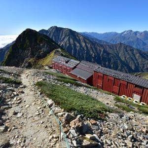 唐松岳頂上山荘から唐松岳へ