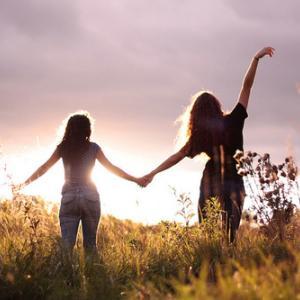 特別な事をしなくても本能的に親近感がアップする大事な方法!