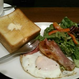島珈琲店 『ベーコンエッグ&厚切りバタートースト』