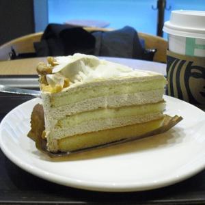 スタバ 『ホワイトモカケーキ』