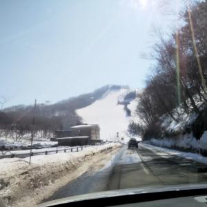 志賀高原スキードライブも雪はほとんどなく。。。