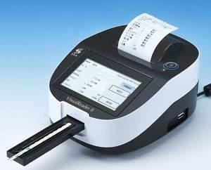 尿一般検査にはビジュアルリーダーⅡ(三和化学)を使用しております