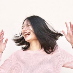 英語スラング!英語で「笑」「草」「www」などはどう表すの?