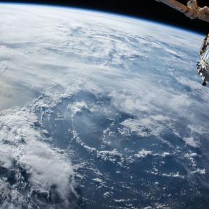 「宇宙」を表す「space」「universe」「galaxy」「cosmos」の違い