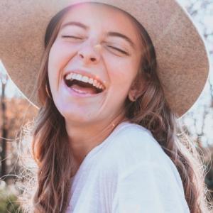 【笑いには医学的な効果があった】笑うことって健康にいいの?