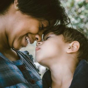 【最も近い関係だからこそ難しい】親子問題に向き合う方法とは