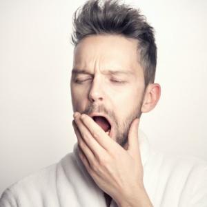 【デメリットばかり?】睡眠不足の恐ろしさとは?改善方法も教えます