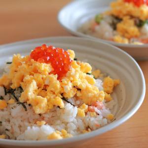 お手軽ズボラ寿司♪鮭の混ぜ寿司