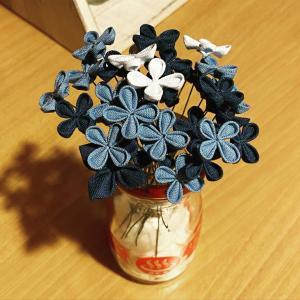 小さなお花と小さな薔薇